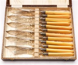 Sale 9144 - Lot 54 - 19th century English ivory handled fish cutlery service In fitted box (12)