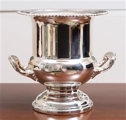 Sale 9140H - Lot 44 - A Viners silver plated twin handled champagne bucket, Height 23.5cm