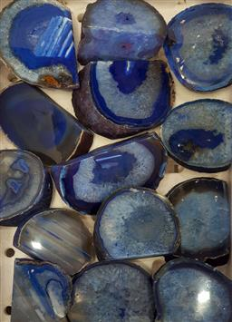 Sale 9146 - Lot 1073 - Box of polished agate ends