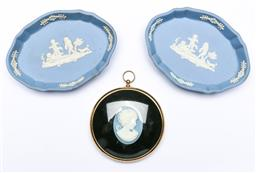 Sale 9144 - Lot 158 - A pair of Wedgwood pin dishes to include framed Cameo