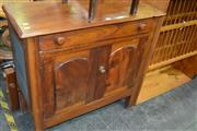 Sale 8115 - Lot 1172 - Raised Timber Meat Safe