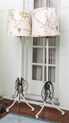 Sale 9195H - Lot 11 - A pair of white painted metal tripod standard lamps with pretty shades, total Height 173cm