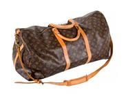 Sale 8522A - Lot 23 - A vintage French Louis Vuitton shoulder bag, 60 cm, very nice condition Minor wear.