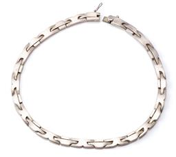 Sale 9124 - Lot 533 - A MEXICAN SILVER COLLAR; 8.5mm wide fancy panel links to box clasp with safety catch, length 44cm, wt. 96.51g.