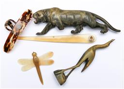 Sale 9144 - Lot 98 - A collection of horn items, some as found