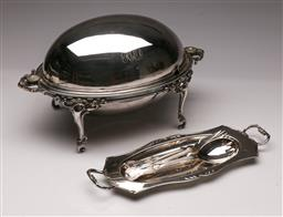 Sale 9119 - Lot 514 - Victorian Hardy bros silver plated dome top breakfast revolving dish (L 37.5cm) together with serving utensils and tray