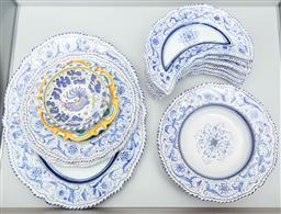 Sale 9165H - Lot 175 - A collection of Deruta dinnerwares including six side dishes, four bowls, three assorted platters and two non matching bowls