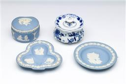 Sale 9098 - Lot 271 - Group of Wedgwood dishes and a Meissen pot