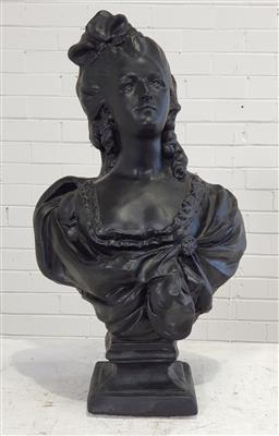 Sale 9174 - Lot 1350 - Plaster bust of a Victorian lady (h:78cm)