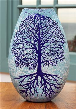 Sale 9191H - Lot 66 - Tree of Life hand blown and engraved flat vase by Sean O'Donoghue, Noosa Master Glassblower, trained at Waterford Crystal, H 20 cm, ..