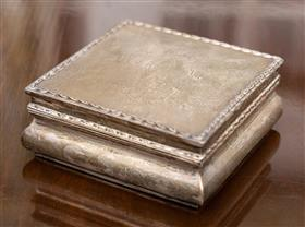 Sale 9195H - Lot 100 - A hallmarked sterling silver Hardy Brothers, Birmingham, and cedar lined square hinged box, Width 12.5cm