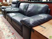 Sale 8580 - Lot 1074 - Leather 2 Piece Lounge Suite with 2 Seater and Single Recliner