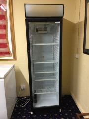 Sale 8677B - Lot 928 - A Bromic clear door display fridge model no USS374DTKL H x 194cm, W x 60cm, D x 63cm