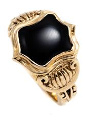 Sale 8905J - Lot 356 - A GOLD ANTIQUE STYLE STONE SET SIGNET RING; set in 9ct with a shield shape onyx, size N1/, wt. 4.62g.