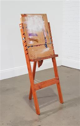 Sale 9255 - Lot 1118 - Timber artists easel (h:134 w:50cm)