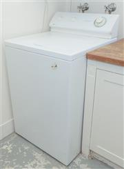 Sale 8380A - Lot 46 - A Dependable Care top loading Maytag washing machine, H 110 x W 65 x D 69cm