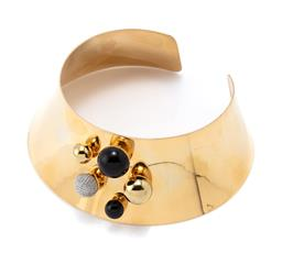 Sale 9221 - Lot 396 - A SARINA SURIANO 18CT GOLD PLATED STELLATUS ONYX NECKCUFF; 58mm wide tapering open collar/cuff applied with 5 spheres incl. 2 set wi...