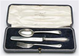 Sale 9164 - Lot 325 - An antique Australian EPNS Christening set, in silk and velvet lined box, Angus & Coote c1900s L22cm (boxed)