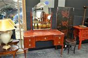 Sale 8019 - Lot 1010 - Timber Mirrored Back Dresser w Drawers on Cabriole Legs