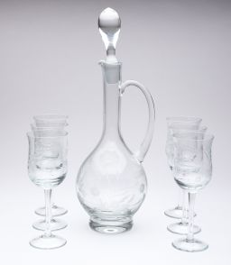 Sale 9150J - Lot 36 - A good vintage wine ewer, hand etched with florals, with 6 matching wine glasses, ewer Ht: 37cm, glass Ht: 18cm
