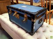 Sale 8648 - Lot 1089 - Small Lift Top Travelling Trunk