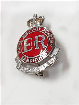 Sale 9254 - Lot 2164 - An English sterling silver Military badge Royal Military Academy