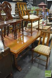 Sale 8406 - Lot 1025 - Dining Setting inc Table & 4 Oak Dining Chairs
