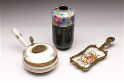Sale 9098 - Lot 421 - Shelley vase (h:20cm) together with a porcelain crumb dish & French example