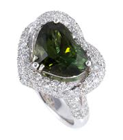Sale 8879 - Lot 386 - AN 18CT WHITE GOLD DIAMOND AND GEMSET LOVE HEART RING/PENDANT; featuring a detachable cluster pendant centring an heart cut green to...