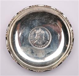 Sale 9104 - Lot 30 - A Chinese coin dish D9cm
