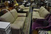Sale 8523 - Lot 1072 - Leather 3 Piece Lounge Suite