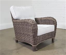 Sale 9255 - Lot 1090 - Polywicker outdoor chair with cushions (h:80 w:74cm)