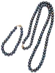 Sale 9083 - Lot 442 - A FRESHWATER CULTURED PEARL SUITE; necklace composed of 7.3 - 8.5mm round black pearls of good lustre to a 9ct gold ball clasp lengt...