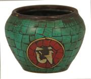 Sale 8048A - Lot 63 - A small Oriental cloisonné bowl in turquoise and red, height 5cm