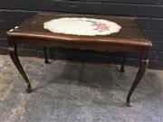 Sale 9006 - Lot 1019 - Timber Coffee Table with Glass Top (h:46 x w:74 x d:41cm)