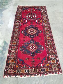 Sale 9166 - Lot 1090 - Hand knotted pure wool Persian Hamadan ( 235 x 107cm)