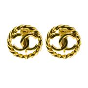 Sale 8087B - Lot 332 - A PAIR OF CHANEL GOLD TONE CC LOGO EARRINGS; clip ons 2cm, in box