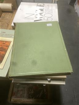 Sale 9106 - Lot 2312 - 5 Volumes pertaining to Pottery & Porcelain incl Prof Jean Justice Dictionary of Marks and Monograms of Delft Pottery 1930 Herbert...