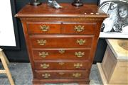 Sale 8161 - Lot 1013 - Chest of 6 Drawers