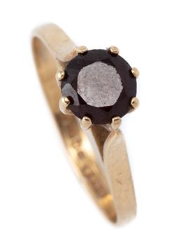 Sale 9107J - Lot 351 - A 9CT GOLD SOLITAIRE BOHEMIAN GARNET RING; claw set with a round cut garnet of approx. 1.15ct (chipped), hallmarked C.L & S, Edinbur...