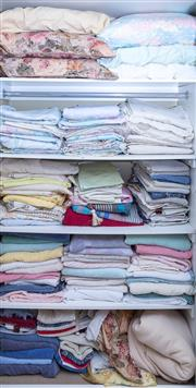 Sale 8593A - Lot 145 - A large quantity of sheets and towels