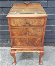 Sale 9031 - Lot 1062 - Georgian Style Figured Walnut Bedside Cabinet, with three drawers & cabriole legs (h:75 x w:40cm)