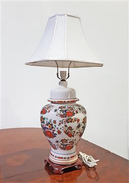 Sale 9126 - Lot 1258 - Large ceramic oriental themed table lamp with fabric shade (H:84cm)