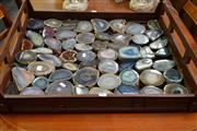 Sale 8127 - Lot 885 - Big Tray Of Polished Agate Slices