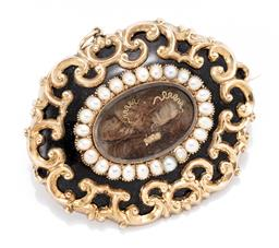 Sale 9169 - Lot 340 - AN ANTIQUE MOURNING HAIR LOCKET BROOCH PENDANT; heavy 12ct gold cased locket to central locket section with hair and gold wire work...