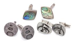 Sale 9182 - Lot 355 - THREE PAIRS OF RETRO CUFFLINKS; paua shell, size 26 x 19mm, retro discs 20.5 x 20.5 mm, both in silver, and golf themed in metal, si...