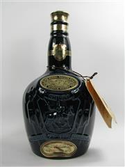 Sale 8278 - Lot 1748 - 1x Chivas Brothers Royal Salute 21YO Blended Scotch Whisky - 1000ml Wade Porcelain decanter bottle in velvet bag and box