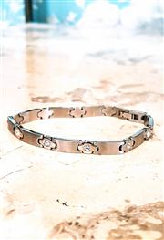 Sale 8577 - Lot 139 - A brushed stainless steel bracelet with Swarovski crystals embellishments, L 20cm, Condition: Excellent