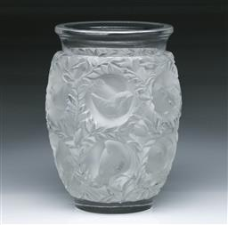 Sale 9093 - Lot 71 - Lalique Bird Themed Vase (H17cm)
