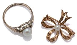 Sale 9090J - Lot 314 - 9CT GOLD AKOYA CULTURED PEARL RING AND BROOCH; 6.5mm round pearl to white gold pierced gallery and fan shape shoulders (resized), si...